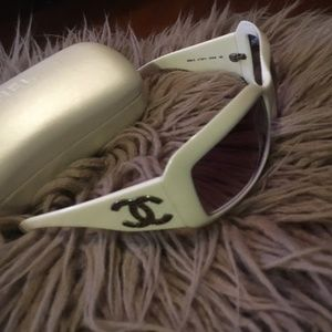 CHANEL Lizard CC Sunglasses